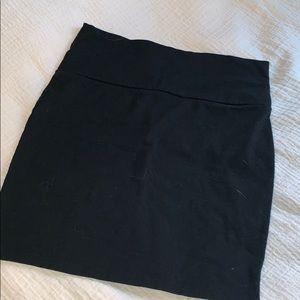 Right black pencil skirt